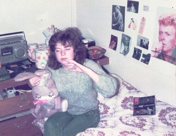Jen in her halls room back in the 80s